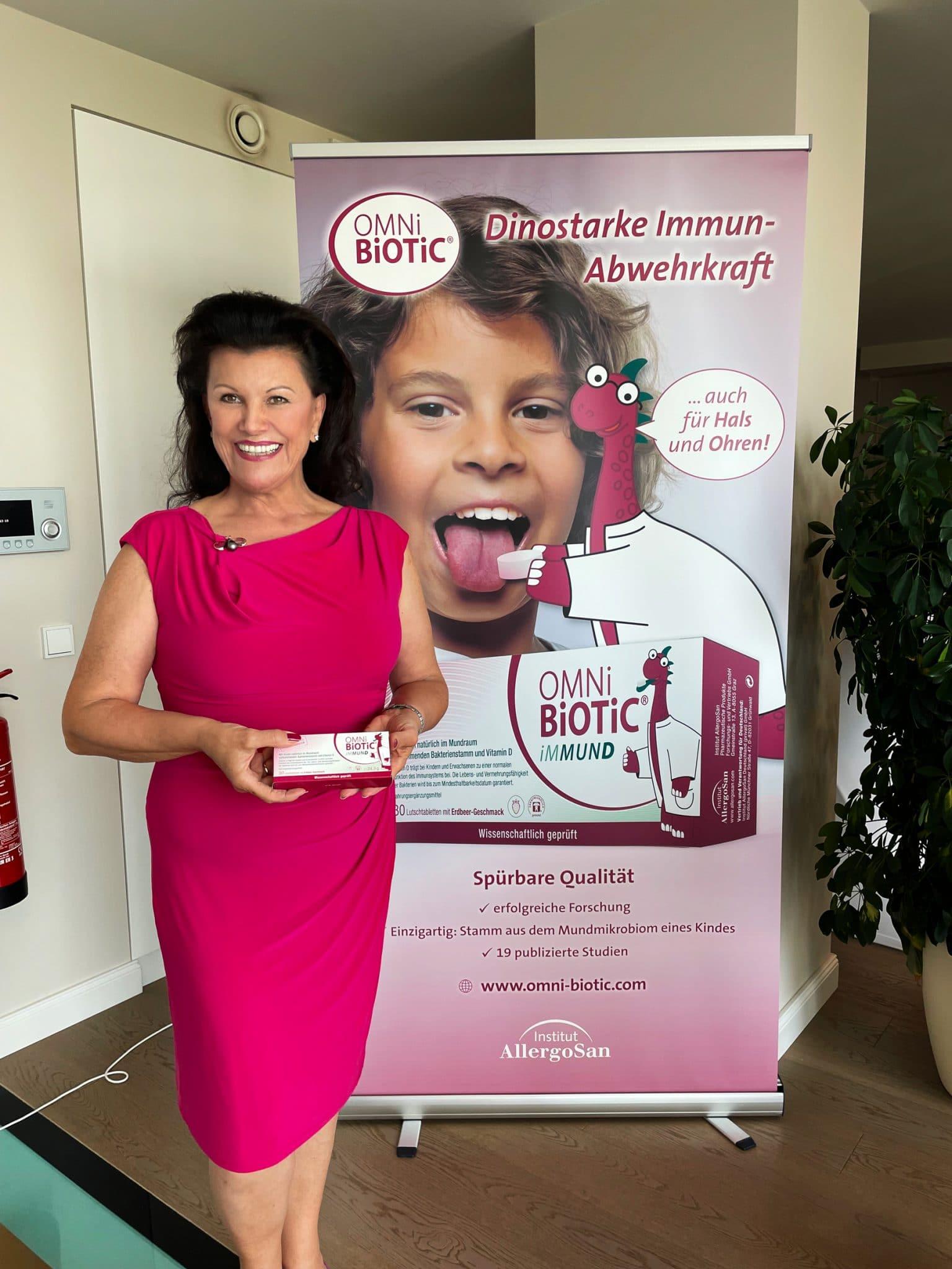 Mag. Anita Frauwallner und OMNi-BiOTiC® iMMUND dinostarke Abwehrkraft